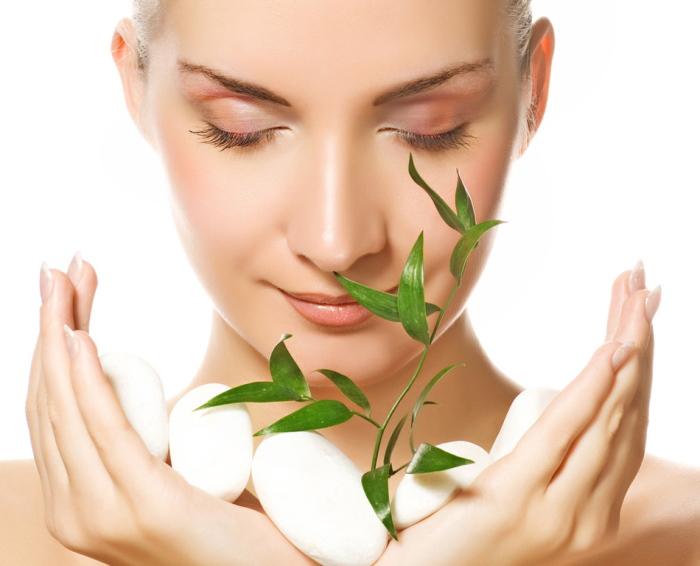 Beneficii ape florale pentru piele